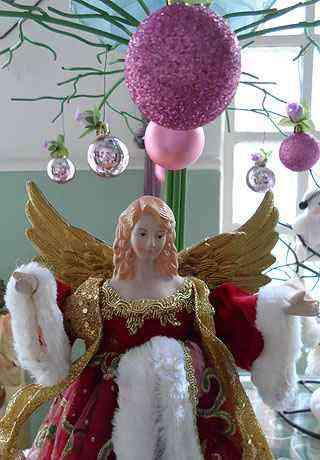 Esculturas de anjos também são destaque na loja no Santa Tereza - Carlos Altman/EM/D.A Press