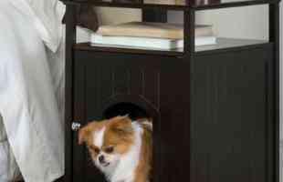 Criado mudo com casinha para o cachorro