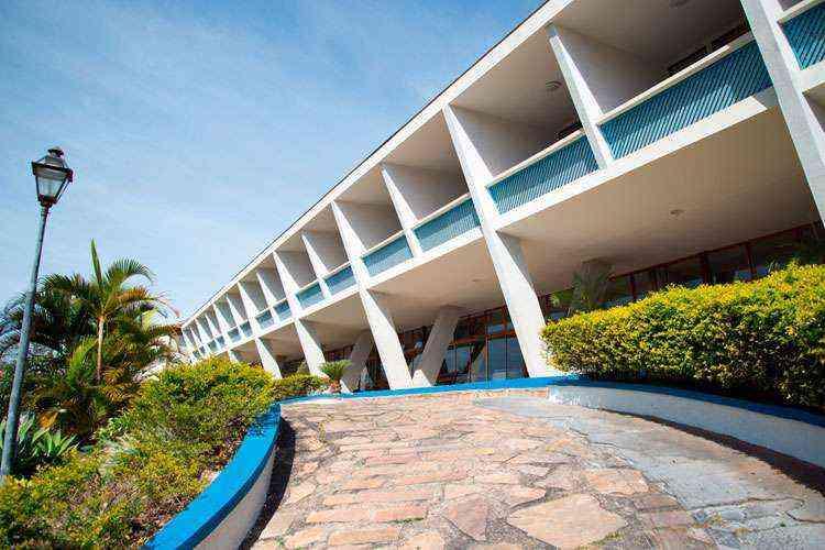 Prédio inaugurado em 1951 exibe formas geométricas a contínuas (Fotos: Thiago Ventura/EM) - Thiago Ventura/EM/D.A Press