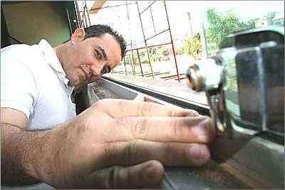 José Carvalho Júnior, projetista da Esquadrias Minas Gerais, ressalta que tendência é usar alumínio em fachadas externas  - Gladyston Rodrigues/Ao Cubo Filmes