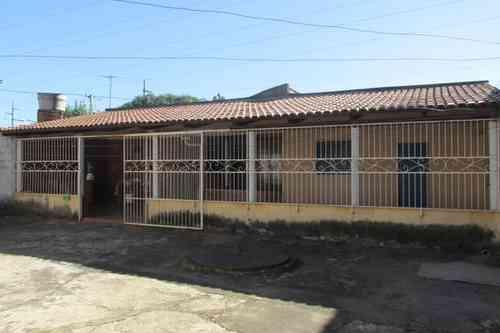 Casa, 3 Quartos, 2 Vagas