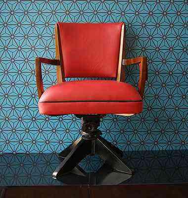 Cadeira da Memoriabilia ADVintage, de João Caixeta e Fabiano Lopes, loja especializada na recuperação e venda de mobiliário de época, vintage e retrô, que funciona em BH - Ad Vintage/divulgacao