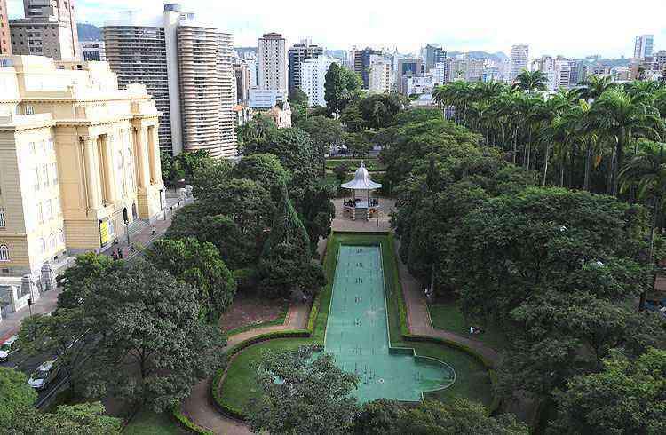 A Praça da Liberdade é um dos principais destaques do bairro, atraindo visitantes e moradores - Gladyston Rodrigues/EM/D.A Press
