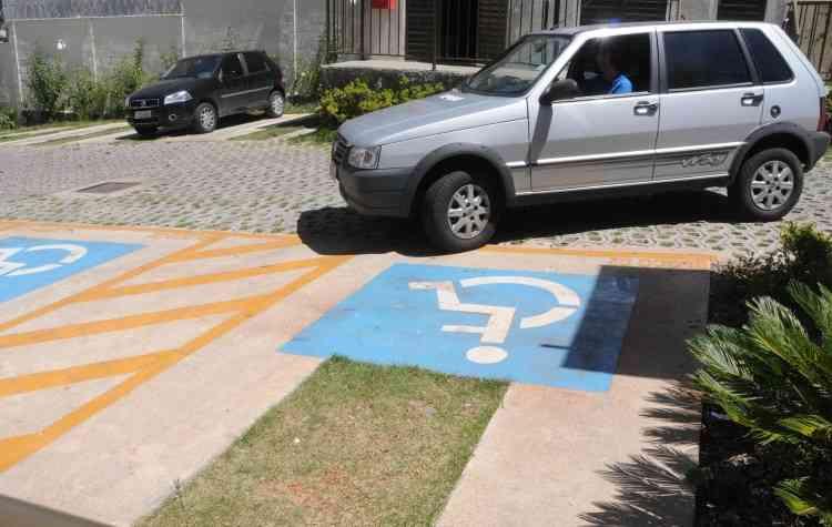 Empreendimento da MRV Engenharia conta com sinalização para motoristas dentro das normas de acessibilidade - Beto Novaes/EM/D.A Press - 28/1/14