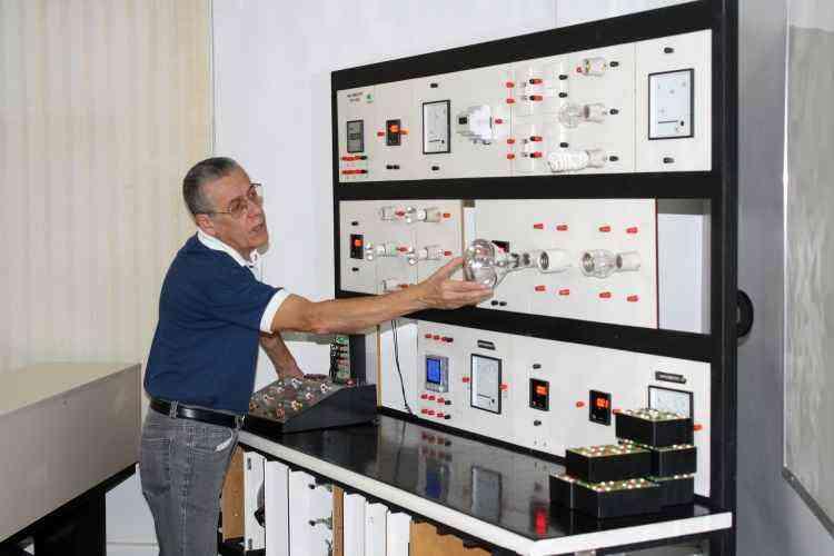 João Carlos Lima, engenheiro eletricista e professor do Centro de Capacitação em Tecnologia, explica passos para não pagar caro com a energia - Loja Elétrica/Divulgação