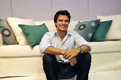 Rafael Mendes, da Sava Móveis, ressalta a grande variedade de matéria-prima disponível hoje para fazer itens de qualidade para o lar - Eduardo Almeida/RA Studio