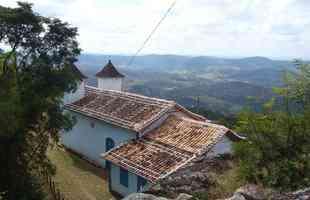 Vista da Serra da Caroula no distrito Deputado Augusto Clementino - Serro