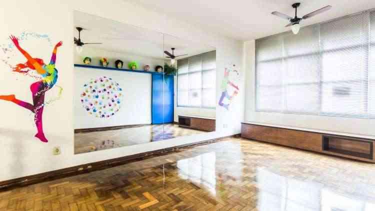 Sala de dança ficou mais iluminada e atrativa com desenhos que remetem ao tema - Osvaldo Castro/Divulgação