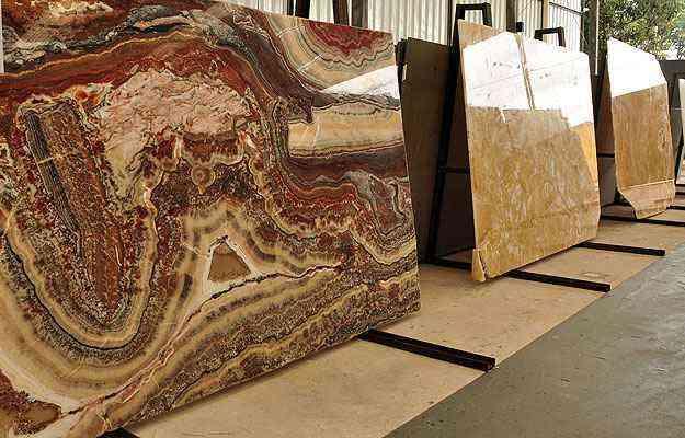 Pedras polidas são mais indicadas para ambientes internos - Eduardo de Almeida/RA Studio