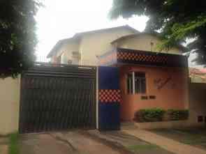 Casa em Condomínio, 4 Quartos, 2 Vagas, 1 Suite