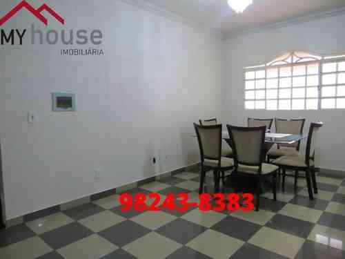 Casa, 4 Quartos, 8 Vagas, 2 Suites