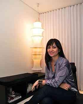 Para a decoradora Dênia Diniz, o uso de lâmpadas LED é muito recomendado para todos os cômodos da casa, inclusive áreas externas - Eduardo Almeida/RA Studio