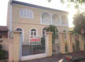 Casa, 5 Quartos, 2 Vagas em Rua Engenheiro Omar Rupp, Jardim Londrilar, Londrina, PR valor de R$ 1.350.000,00 no Lugar Certo