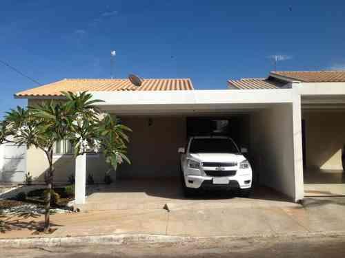 Casa em Condomínio, 3 Quartos, 2 Vagas, 1 Suite