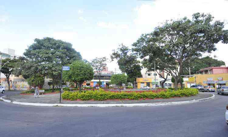 Única da vizinhança, Praça Alexandre Moterani conta com uma academia a céu aberto  - Juarez Rodrigues/EM/D.A Press