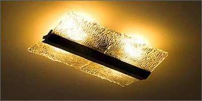 Peças da Madelustre usam cristais transparentes com acabamento de madeira, o que garante vários tipos de uso dentro de casa - Fotos: Visograf/Divulgação