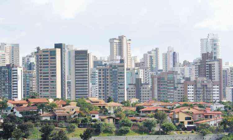 Um boom de empreendimentos valorizou ainda mais o Belvedere, que passou a contar com vários edifícios de altíssimo luxo - Gladyston Rodrigues/EM/D.A Press 27/12/2012