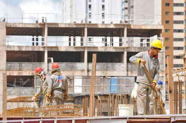 Sondagem da Indústria da Construção divulgada pela Confederação Nacional da Indústria apontou que a atividade no setor teve nova queda - Breno Fortes/CB/D.A Press)