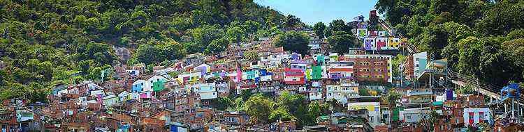 A favela Santa Marta já é mundialmente famosa pelo colorido - Tintas Coral/Divulgação