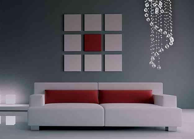 Um lustre de cristal na sala cria um ambiente charmoso e compõe a decoração - Bronzearte/Divulgação