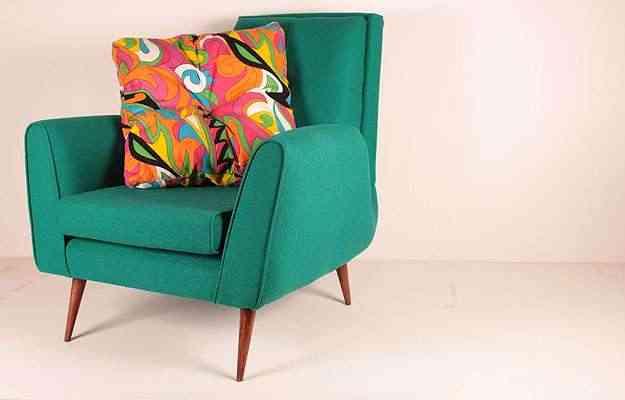 Nas fotos, capas criadas pelo Studio Futon para sofás, poltronas e camas: o limite é o gosto do cliente e os outros adornos que vão compor o espaço  - Rodrigo Câmara/Divulgação