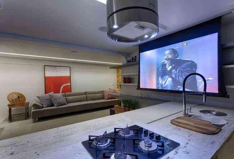 O arquiteto Junior Piacesi destacou no projeto o sistema de som, vídeo e luminotécnico para quem gosta de dar festas - Gustavo Xavier/Divulgação