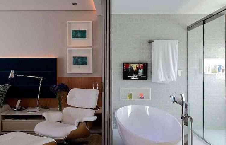 A banheira de imersão é a cereja do bolo do quarto integrado criado por Rodrigo Maia - Rodrigo Maia/Divulgação