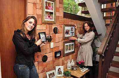 As designers de interiores Laura Santos e Fabiana Visacro dizem que imagens podem estar isoladas ou em conjunto  - Eduardo Almeida/RA Studio