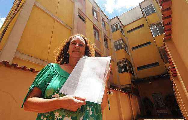 Maria Inês Ferreira cuida dos interesses dos vizinhos com apoio de uma empresa, pois diz que bater de frente com outro morador é muito complicado  - Cristina Horta/EM/D.A Press