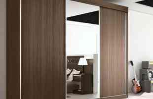 6. Mantenha um pequeno afastamento - cerca de 5 centímetros - entre o armário, a parede e o teto, pois, além de facilitar a limpeza do local, ajuda na circulação do ar entre as peças
