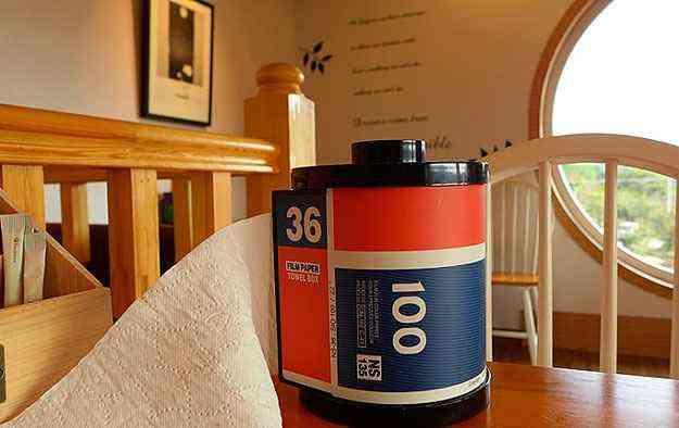 Papel toalha vem num rolo que imita filme fotográfico - Reprodução da Internet/facebook.com/cafedreamy