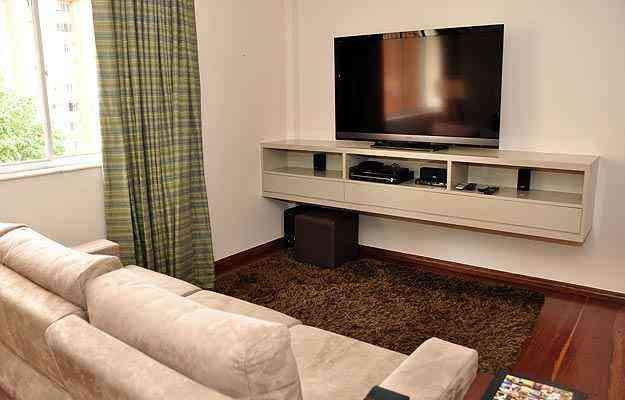 Uso de móveis planejados ou pré-fabricados em casa depende da condição do imóvel: próprio ou alugado - Eduardo Almeida/RA Studio