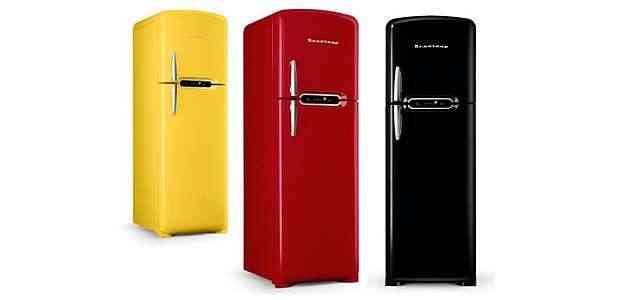 As geladeiras Brastemp retrô estão disponíveis nas cores: Tremendão (preto), Supimpa (amarelo) e Brasa, mora (vermelho) - Brastemp/Divulgação