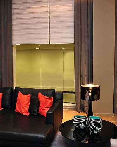 Persianas são mais indicadas para espaços pequenos do que as cortinas  - Eduardo de Almeida/RA Studio