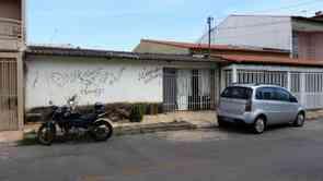 Casa, 4 Quartos, 2 Vagas, 1 Suite