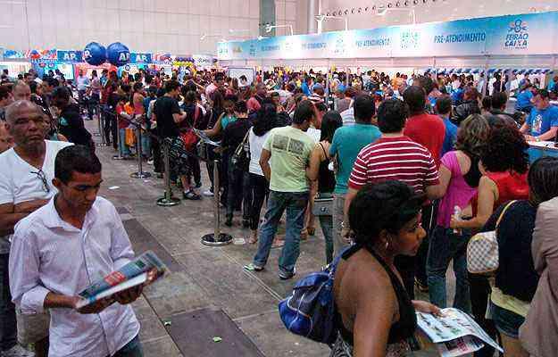 Em 2012, 30 mil pessoas passaram pelo feirão em Belo Horizonte. Expectativa de público para este ano é de 35 mil - Beto Magalhães/EM/D.A Press