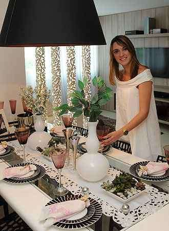 A designer de interiores Laura Santos ensina a montar uma mesa de réveillon sofisticada - Gladyston Rodrigues/EM/D.A press
