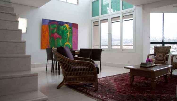 Para representar o Movimento terra, o espaço é valorizado pela continuidade das cores de piso e parede - Bruno Bastos/Divulgação