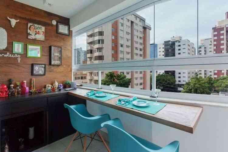 Projeto da arquiteta Carmen Calixto para o imóvel da estudante Bárbara Pimenta buscou a ideia do vintage e criou ambientes únicos - Henrique Queiroga/Divulgação