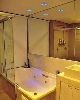 Uso de cores nos banheiros tem grande aceitação para quem gosta de usar a técnica de cromoterapia