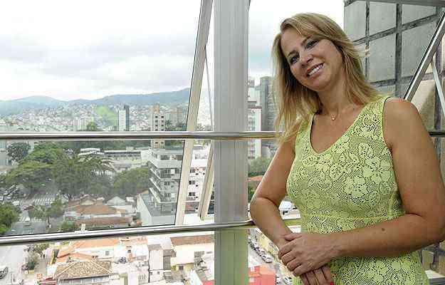 Em vez de deixar dinheiro no banco, a empresária Eliane Capistrano lucra com a compra e venda de apartamentos de até 100 metros quadrados, voltados para as classes C e D  - Jair Amaral/EM/D.A Press