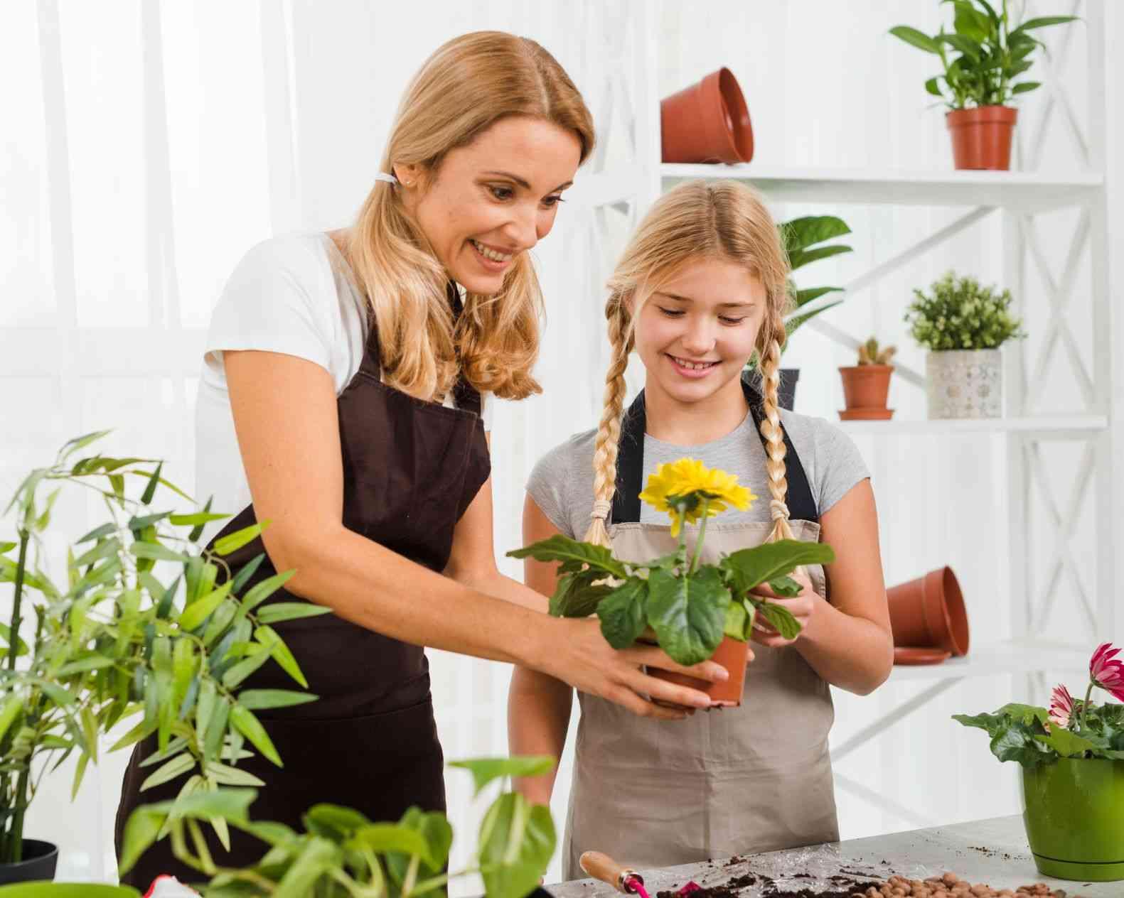 Aprenda a fazer um jardim suspenso com pallets - Freepik