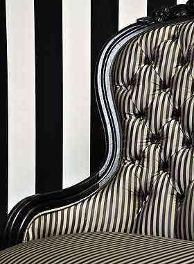 Com um pouco de criatividade, mobílias com traços mais clássicos e texturas diferentes garantem acabamento ideal para os ambientes modernos - Eduardo Almeida/RA Studio