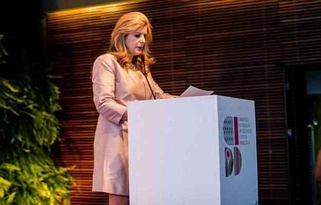 Laura Rabe parabenizou os designers e os diversos envolvidos no evento da Amide - Barbara Dutra/Divulgação
