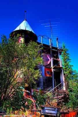 Castelo totalmente feito com lixo é atração nos EUA. Inspirado nos modelos da Disney, construção leva os preceitos da sustentabilidade ao extremo