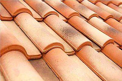 A telha flameada da TopTelha tem o fundo avermelhado com mesclas em preto e marfim e é febre nos mercados europeu e norte-amerricano - TopTelha/Divulgação