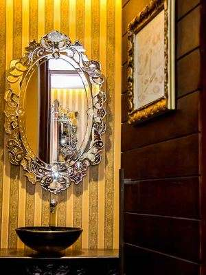 Vanessa Figueiredo escolheu os espelhos soltos venezianos para criar um ar de sofisticação - Beto Ganem/Divulgação