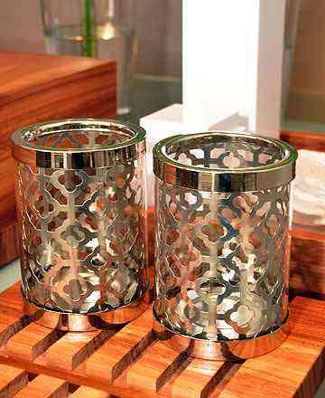 Mistura do vidro com detalhes metálicos traz requinte para vários cantos da casa - Eduardo Almeida/RA Studio