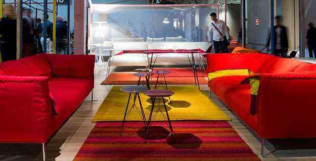 Sofás compõem belíssimos ambientes e exibem a tendência da decoração - Cosmit.it/Divulgação