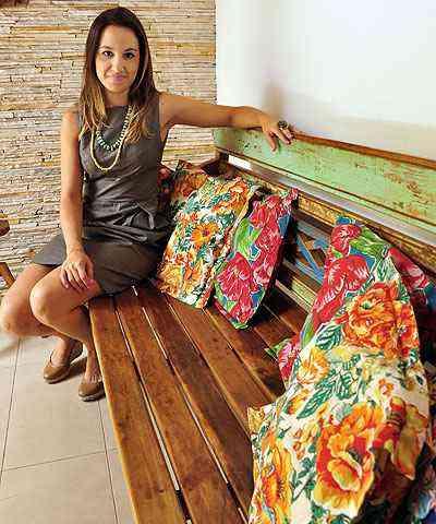 A arquiteta Marina Dubal diz que, com cautela, não há limites para usar as estampas em casa  - Eduardo Almeida/RA Studio